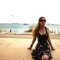 Cannes, ses fresques et ses ruelles pleines de soleil
